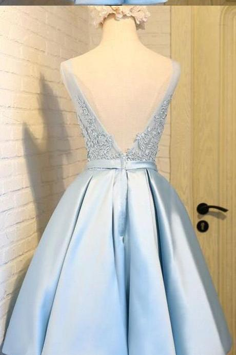 Customized ,Short Homecoming ,Prom Dress ,Feminine ,royal Blue Homecoming Dresses With V-Neck ,Backless ,Pleated Dresses