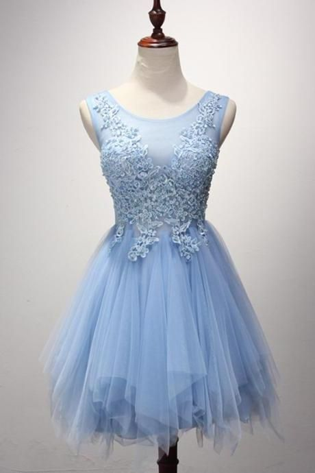 Lace Appliques Bateau Neck Short Tulle Skater Homecoming Dress